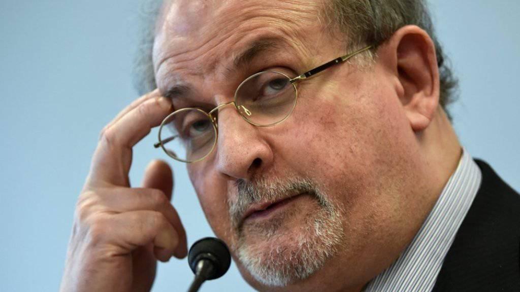 Salman Rushdie findet, Panik sei die falsche Reaktion auf Terror (Archiv).