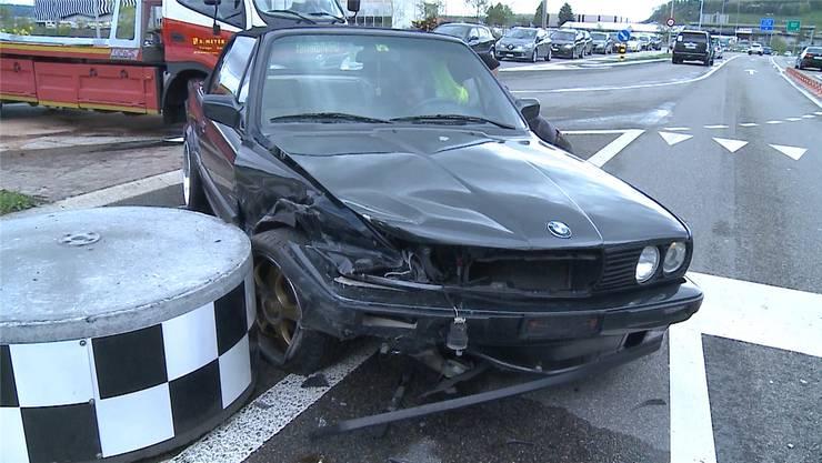 Ein Fahrer, der die Autobahn bei der Ausfahrt Aarau Ost verliess, nahm diesem auf der Seetalstrasse fahrenden BMW die Vorfahrt. Tele M1