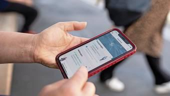 Die App «Swisscovid» ist derzeit auf weniger Smartphones aktiv als noch vor einer Woche.