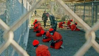 Häftlinge im berüchtigten US-Gefangenenlager auf Kuba - Aufnahme aus dem Jahr 2002 (Archiv)