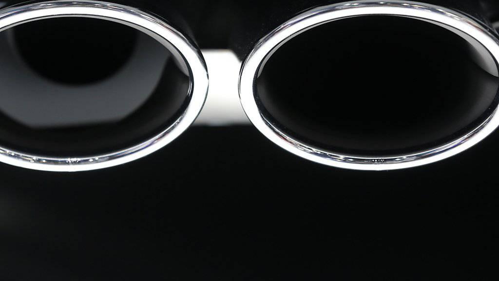 Die Umrüstung der manipulierten VW-Dieselautos beginnt auch in der Schweiz Ende Januar (Archiv).