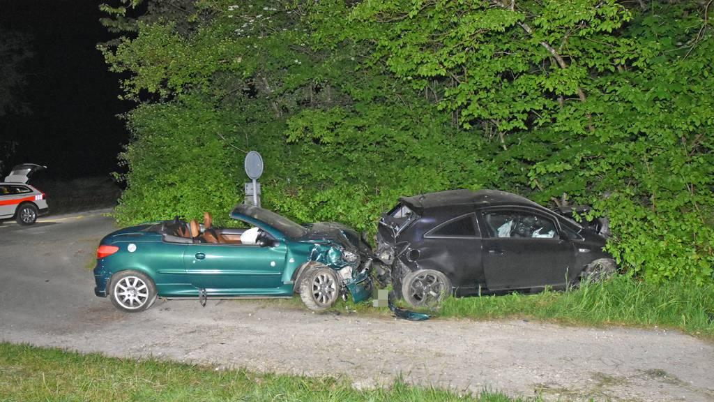 Autofahrer schwer verletzt – 35-Jähriger haut vom Unfallort ab