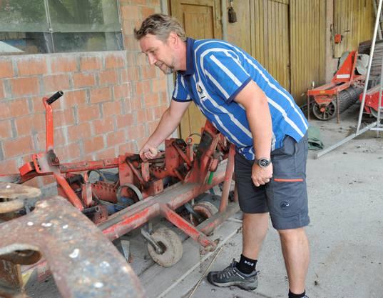 Markus Lüthi unterhält den Maschinenpark
