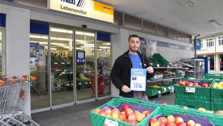 Akduman Hüseyin vor dem «Maxi»-Laden in der Schmelzi.