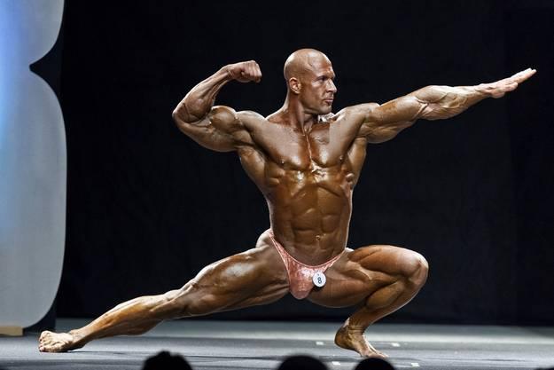 Zeigt seine besten Posen: Bodybuilder Roger Tanner.