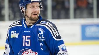 ZSC-Captain Mathias Seger bestreitet in Zug sein 1073. NLA-Spiel und stellt damit einen Rekord auf