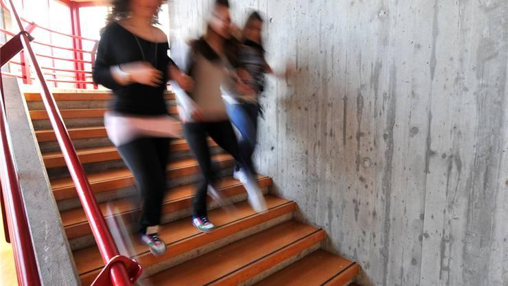 Zum Davonlaufen? Schülerinnen im Solothurner Schützenmatt-Schulhaus. om