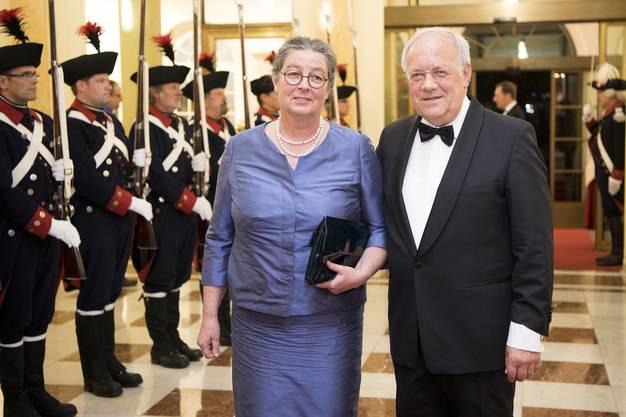 Johann Schneider-Ammann 2016 beim Empfang für ein Galadinner im Bernerhof mit seiner Frau Katharina Ammann: «Der nächste Lebensabschnitt gehört meiner Frau. Sie ist 50 Jahre mit mir unterwegs, Schulschatzzeit inklusive.»