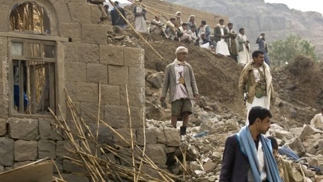 Zerstörte Häuser in einem Dorf unweit der Hauptstadt Sanaa