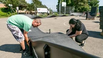 Im Sommer 2019 stand beim Schulhaus Büel in Unterengstringen eine mobile Pumptrack-Anlage. Während diese vom kantonalen Sportamt zur Verfügung gestellt wurde, kauft sich die Stadt Dietikon eine eigene Anlage.