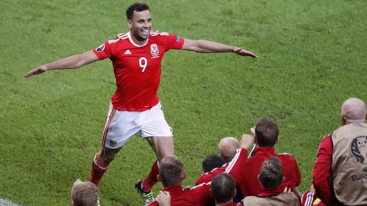 Robson-Kanu jubelte auch schon gegen die Slowakei nach seinem Treffer.