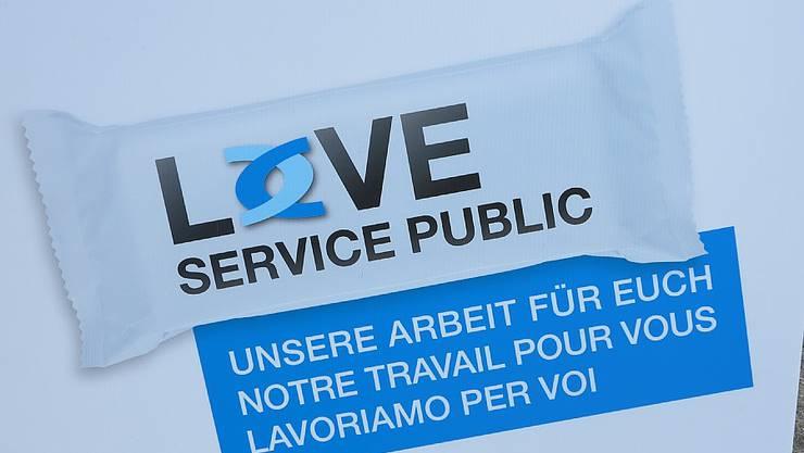 Die Kampagne «LOVE Service Public» ist an die «Love Life»-Kampagne der Aids-Prävention angelehnt.