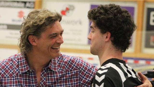 Alex Ebi (hier mit seinem Sohn Yannick) tritt als RTV-Präsident zurück.