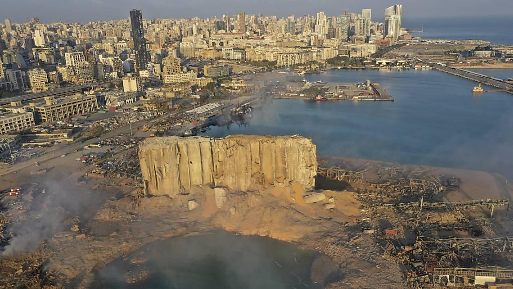 Bei der verheerenden Explosion im Hafen von Beirut sind vor einem Jahr 220 Menschen getötet und über 6000 Menschen verletzt worden. (Archivbild)