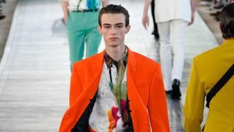 Das Label Berluti setzt auf extravagante Farben.