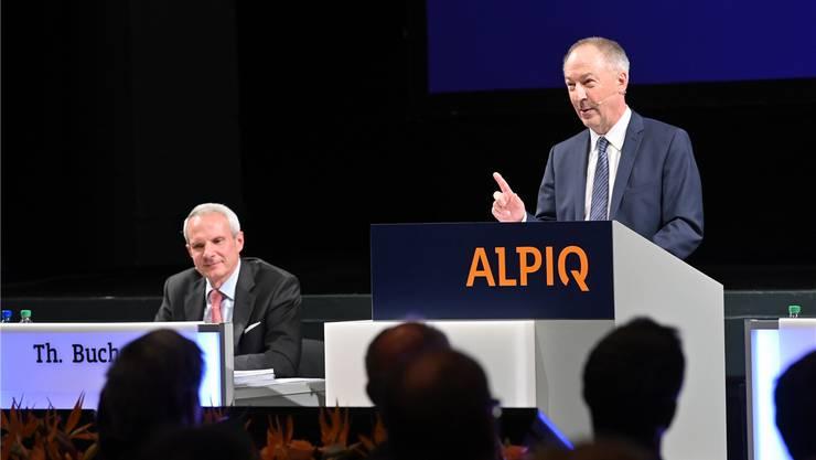 ens Alder, Präsident und Delegierter des Verwaltungsrats Alpiq, erklärt das aktuelle Geschäftsmodell in Bezug auf Volatilität; links Thomas Bucher, Finanzverantwortlicher. BRUNO KISSLING