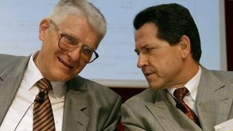 Was war ihre Rolle im Postauto-Skandal? Die ehemaligen Post-Manager Anton Menth (links) und Ulrich Gygi an einer Pressekonferenz 2003 in Bern.
