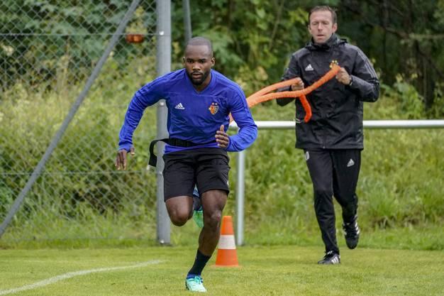 Aldo Kalulu kommt gegen Wacker Innsbruck zu seinem ersten Einsatz für den FCB.