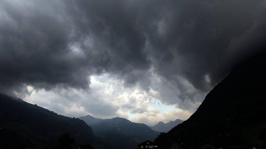 Sturmstimmung über dem Engelbergertal. 2020 hatte die Nidwaldner Sachversicherungen mehr Sturmschäden zu bewältigen als in anderen Jahren (Archivaufnahme)