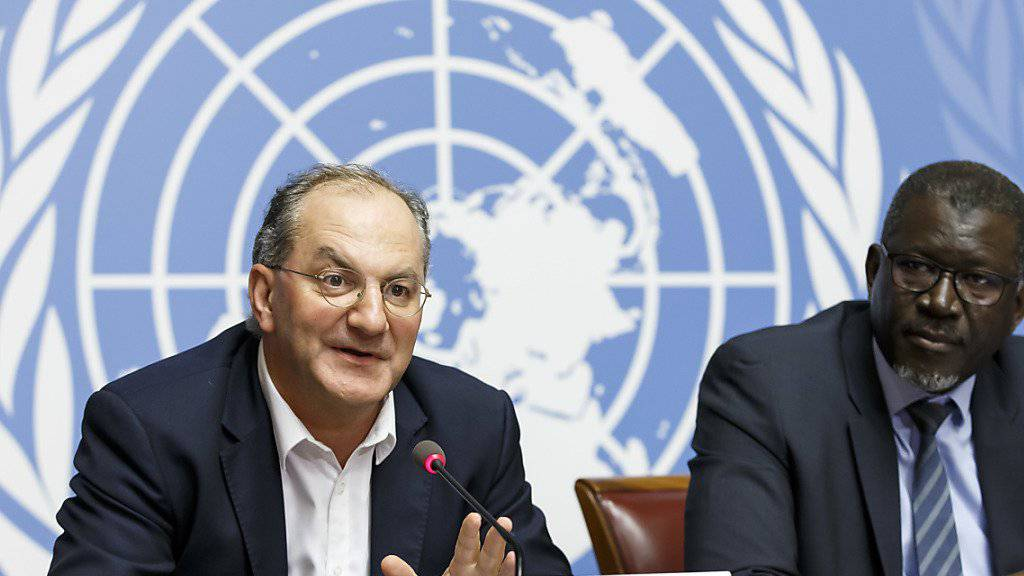 Der WHO-Direktor für Notfalleinsätze Peter Salama (l) und der Generalsekretär der Föderation der Rotkreuz- und Rothalbmondgesellschaften Elhadj As Sy informierten an der Uno in Genf über die Intervention gegen den Ebola-Ausbruch im Kongo.