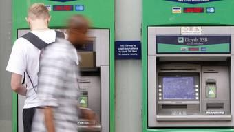 Ein Geldautomat der Bank Lloyds TSB erfreute die Menschen (Symbolbild)