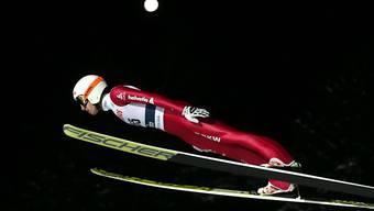 Simon Ammann erfüllt in der Qualifikation von Trondheim mit einem Sprung auf den 17. Platz die Pflicht