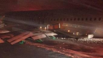 In Toronto ist am Sonntag eine Air-Canada-Maschine verunglückt.