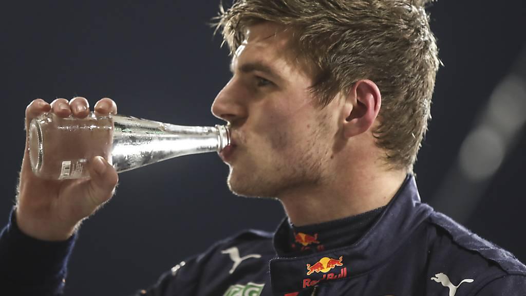 Ein verdienter Schluck: Max Verstappen steht zum dritten Mal in der Formel 1 auf der Pole-Position