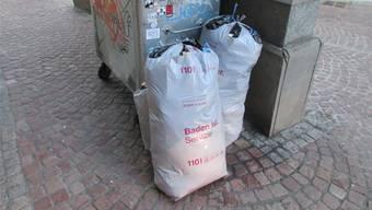 «Aus Bequemlichkeit», vermutet Werkhofleiter Thomas Stirnemann, würden einige Leute die grauen Abfallsäcke ausserhalb der Abholtage deponieren.