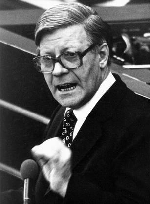 Während seiner Regierungserklärung in Bonn 1976
