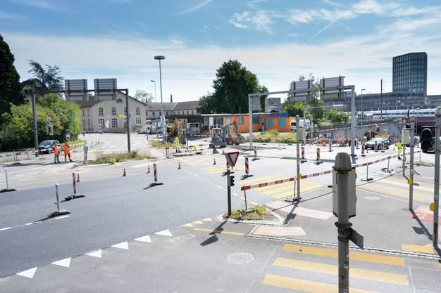Vom 13. Juli bis am 18. Juli 2020 ist am Kreuzplatz die Rohrerstrasse gesperrt. Es muss mit Staus gerechnet werden.