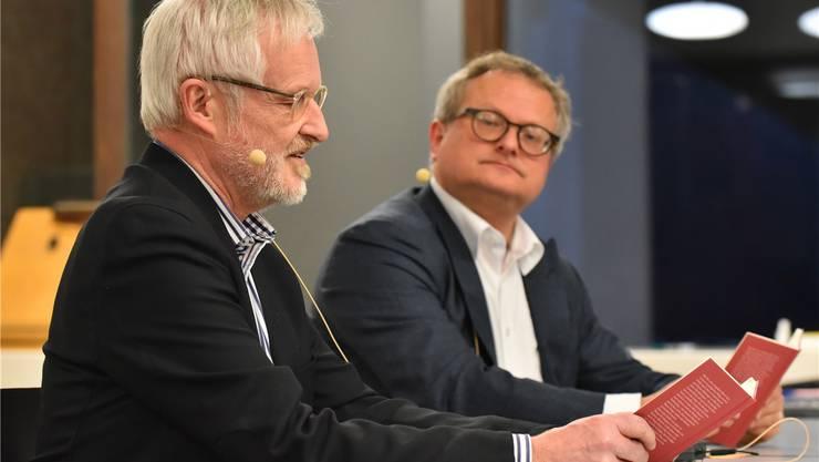 Autor Beno Meier (im Vordergrund links) mit Werner De Schepper. Bruno Kissling