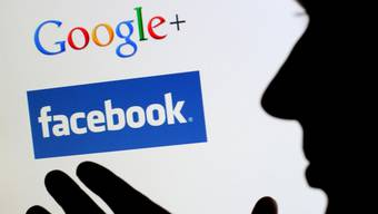 Beinahe zwei Milliarden Franken des gesamten Schweizer Werbeetats fliessen mittlerweile direkt zu Google und Facebook. (Archivbild)