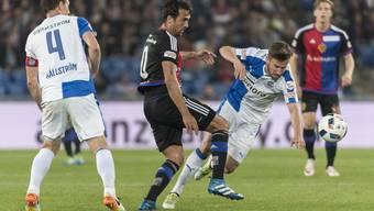 In der letzten Saison konnte GC dem FC Basel zwei Mal ein Bein stellen. Kann der FCB (im Bild Matías Delgado, Mitte) das wieder gut machen?