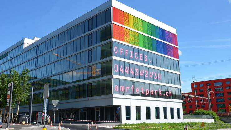 Noch immer werden für den Regenbogen-Bau im Neubau-Quartier Am Rietpark Büromieter gesucht.