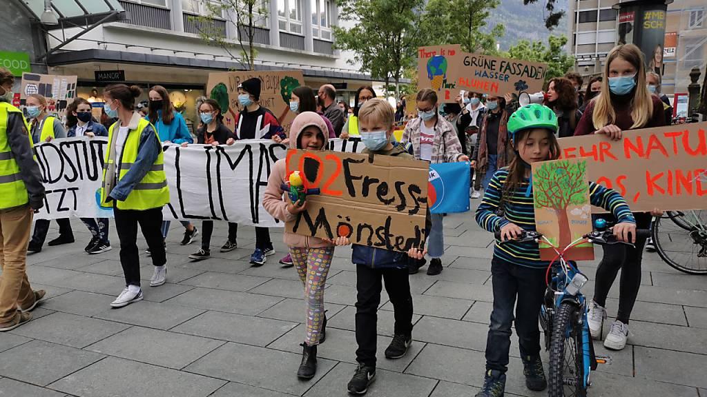 Hunderte streiken in Chur fürs Klima