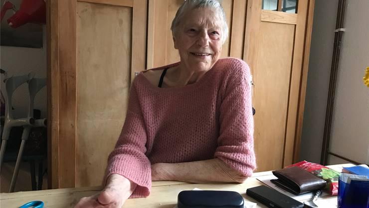 Anje Hutter (88) in ihrer Wohnküche.