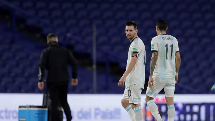 Nur Unentschieden: Die argentinischen Superstars Lionel Messi und Angel di Maria verlassen den Platz in Buenos Aires enttäuscht