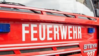 Im Kanton St. Gallen mussten in der Nacht auf Dienstag wegen starker Regenfälle gleich mehrere Feuerwehren ausrücken. (Symbolbild)
