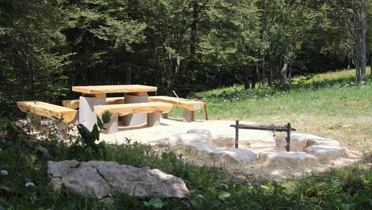 Die neue Feuerstelle am «Chänzeli» wird schon rege benutzt.