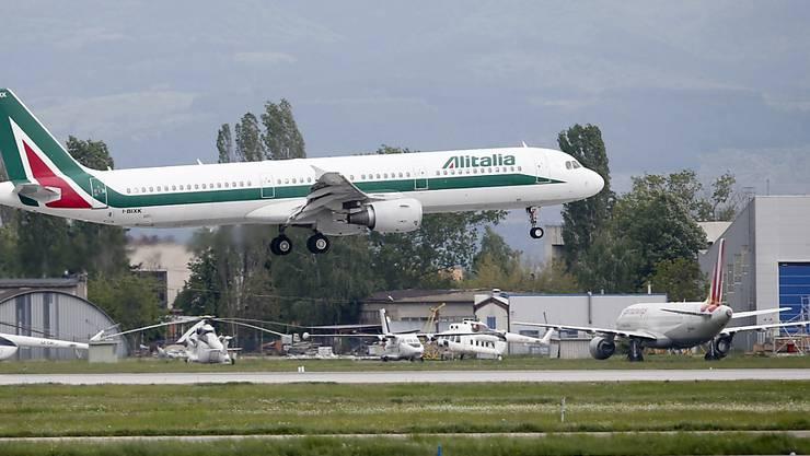 Die ehemalige Staatsairline Alitalia mit derzeit rund 11'000 Arbeitsplätzen meldete vor mehr als zwei Jahren Insolvenz an. (Archivbild)