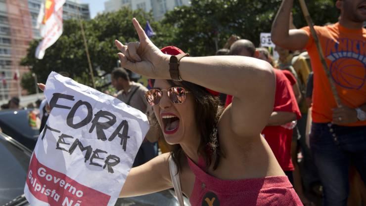 Proteste gegen Brasiliens neuen Präsidenten Michel Temer.