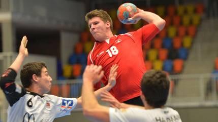 Einstand in der Nationalmannschaft: Dimitrij Küttel (18).
