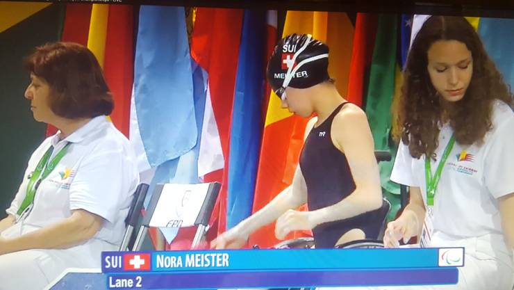 Nora Meister (mitte) an den IPC Swimming European Open Championships in Funchal.