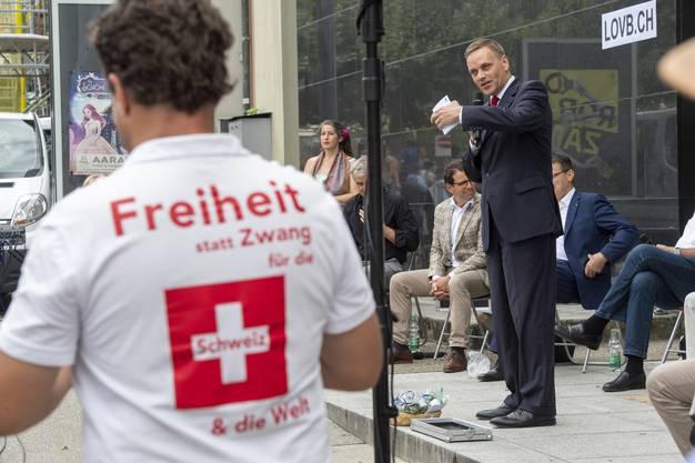 Gesundheitsdirektor Jean-Pierre Gallati hält das Grusswort