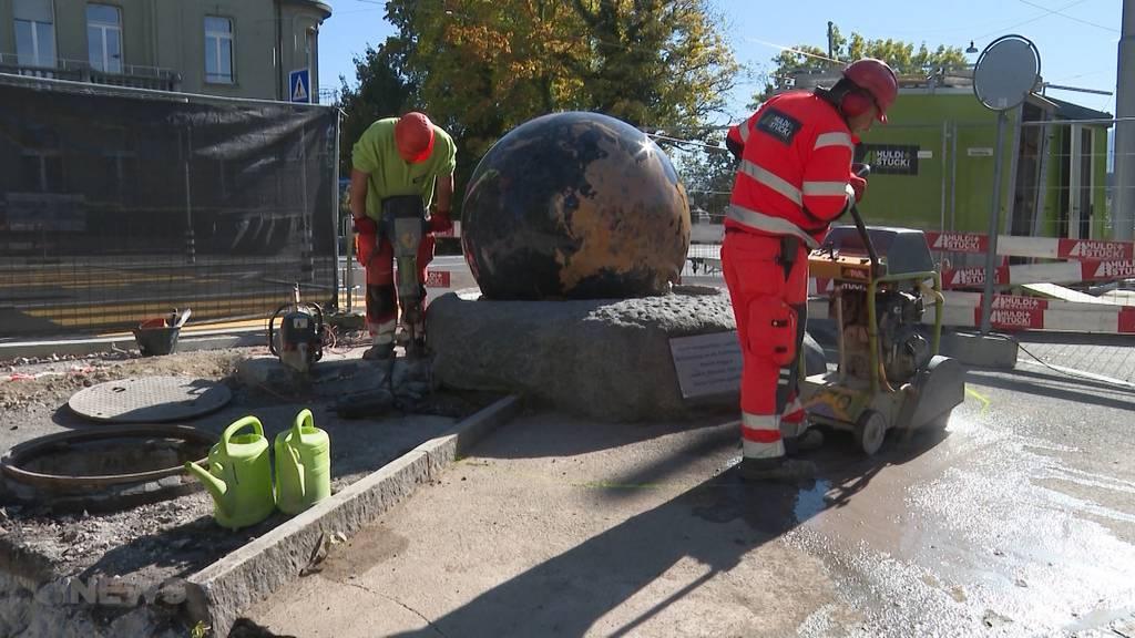 Für 13'520 Franken auf Ricardo ersteigert:  Weltkugel-Brunnen des Kursaals reist nach Lyss zu neuem Besitzer