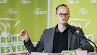 Die Grünen sind für die Energiewende ausschlaggebend: Der neu gewählte Zürcher Regierungsrat Martin Neukom vor den Delegierten in Siders.