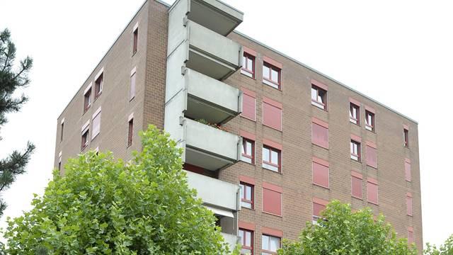 Die Mieter der Liegenschaft an der Arlesheimerstrasse 24 in Aesch wollen trotz Sanierung in ihren Wohnungen bleiben.