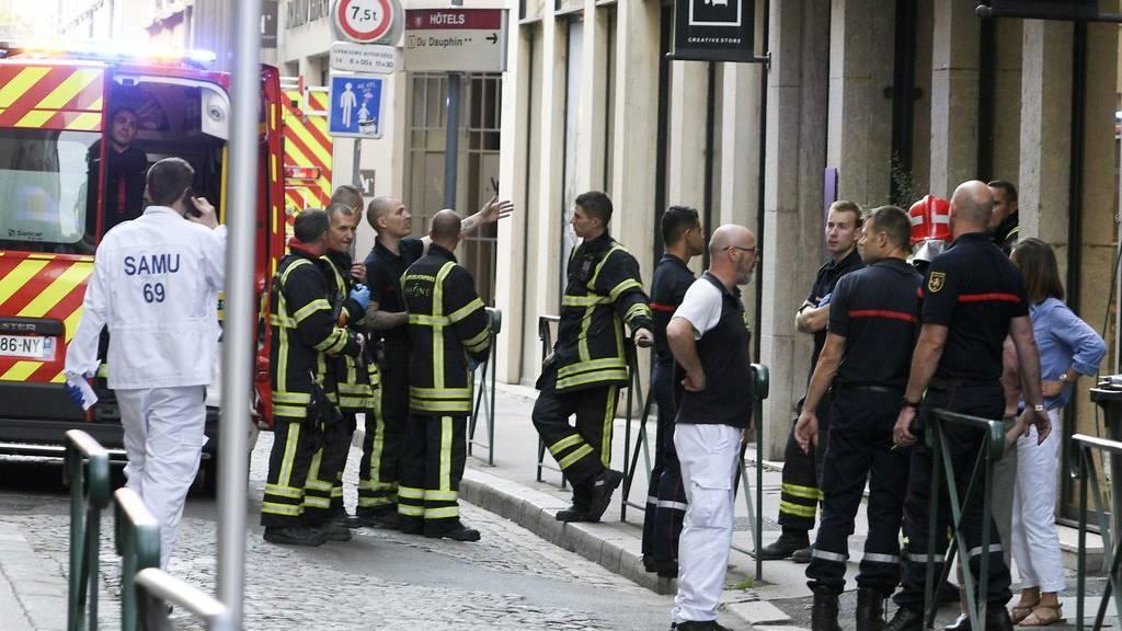 In Lyon wurden bei einer Explosion mindestens acht Personen verletzt.