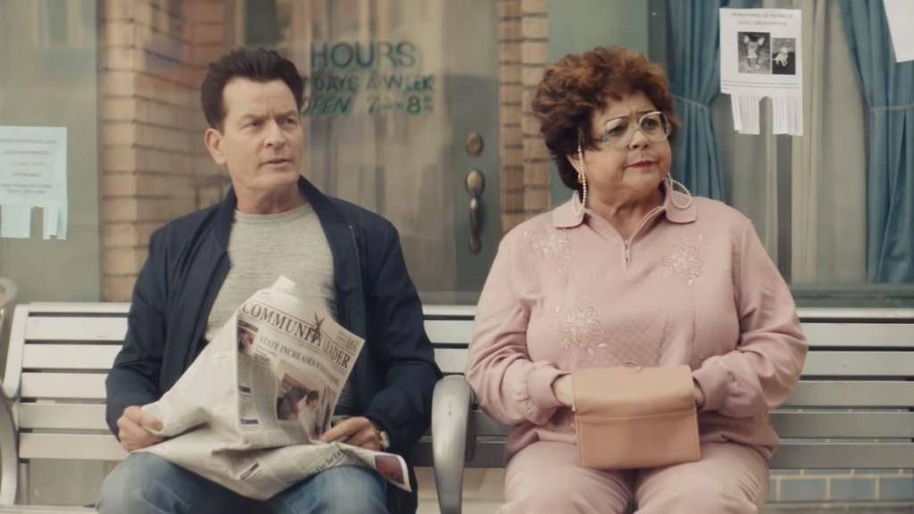 Planters wirbt mit Charlie Sheen für seine Snacks. (© Screenshot: Youtube/Mr. Peanut)